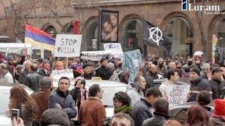 Rusya Devlet Başkanı Putin Ermenistan'da protesto edildi