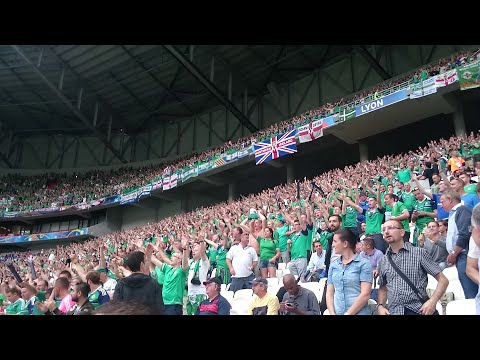 Northern Ireland fans singing 'Sweet Caroline' (GAWA - Euro 2016 - Lyon)
