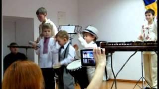 Радовит с друзьями - Поліські дзвіночки - отчетный концерт муз.школы №2, Чернигов(, 2015-02-24T11:29:47.000Z)