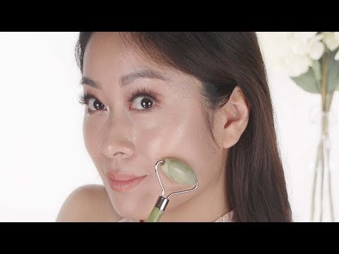 Jade Roller - Does It Really Work?   How To Use   Vivienne Fung
