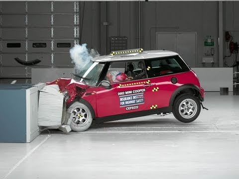 2002 Mini Cooper moderate overlap test