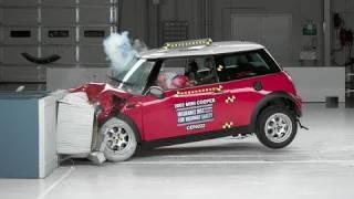 2002 Mini Cooper moderate overlap IIHS crash test