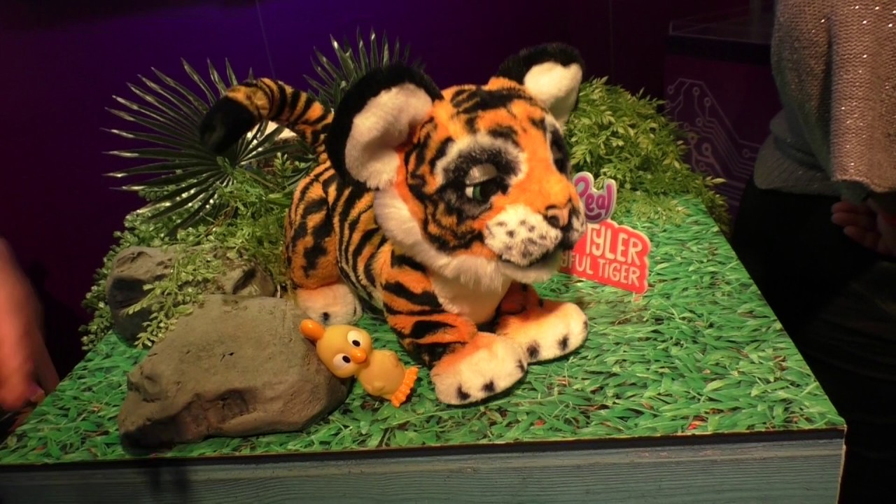 Preview! FurReal Roarin Tyler The Playful Tiger - Toy Fair 2017 ...