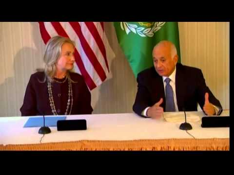 Secretary Clinton Signs a Memorandum of Understanding With Arab League Secretary General Elaraby