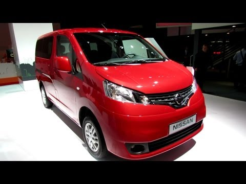 2013 Nissan NV200 Evalia - Exterior and Interior Walkaround - 2012 Paris Auto Show