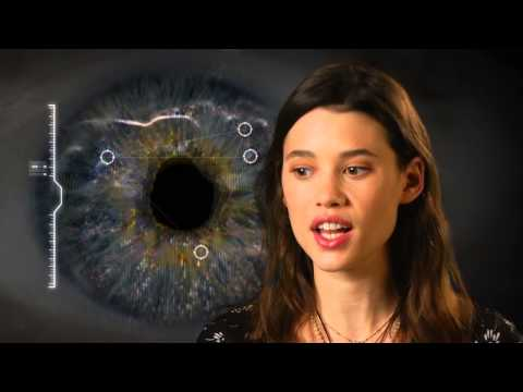 I, Origins: Astrid BergesFrisbey Behind the  Movie