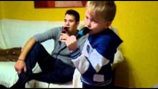 Mi primo Dani y yo Singstar