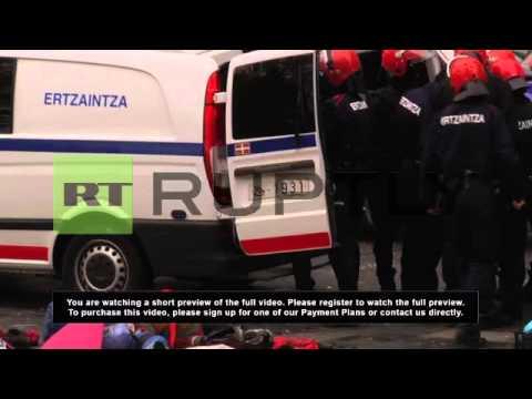 Spain: Police break down Basque 'People's Wall'