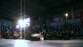 Roxrite vs. Greku (Adidas Originals Rocks the Floor)
