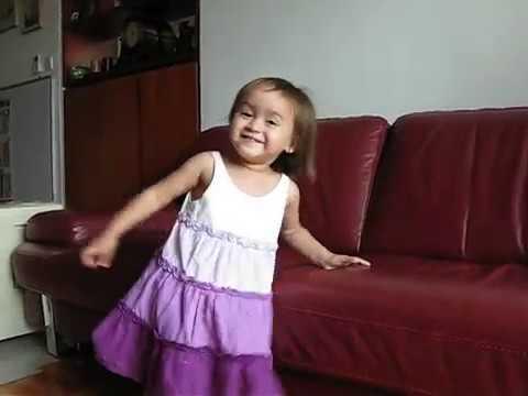 Carissa Berbahasa Indonesia (Umur 24 bulan)