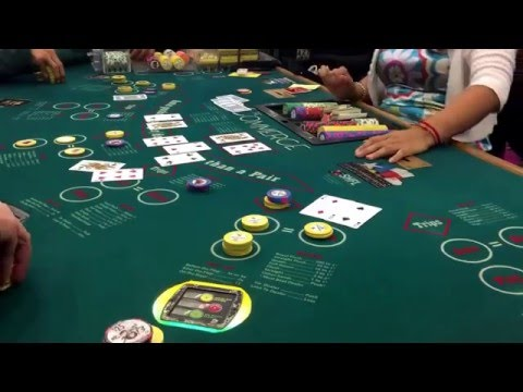 Ultimate Texas Hold 'Em 4 of a kind BIG WIN live at Commerce Casino $600+ payout