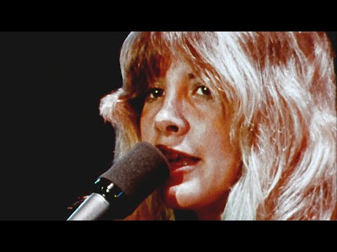 Fleetwood Mac - Rhiannon (Official Music VIdeo)