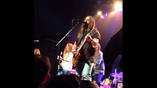"Blackberry Smoke ""The Weight(Take a Load Off Fannie)"""