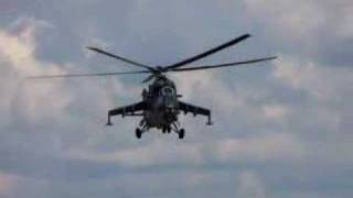 Helicopter flying with no blades spinning !