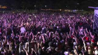 Lil Uzi Vert risks it all and leaps 20 feet into the crowd at Rolling Loud
