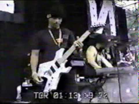 Nine Inch Nails - Lollapalooza 1991 - Head Like A Hole + interview