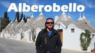 La CASA DE LOS PITUFOS está en ALBEROBELLO! | Viajando con Mirko