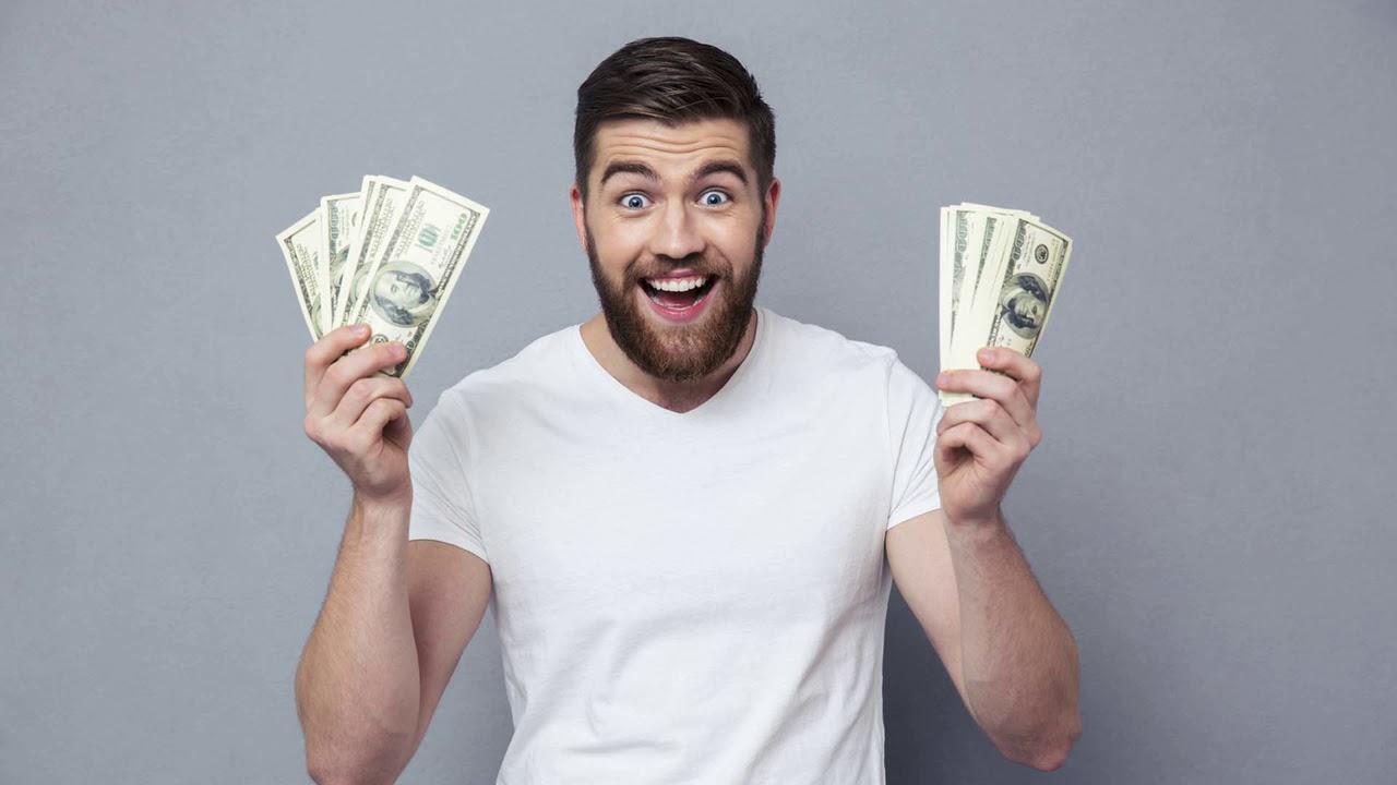 Картинки парень дает деньги
