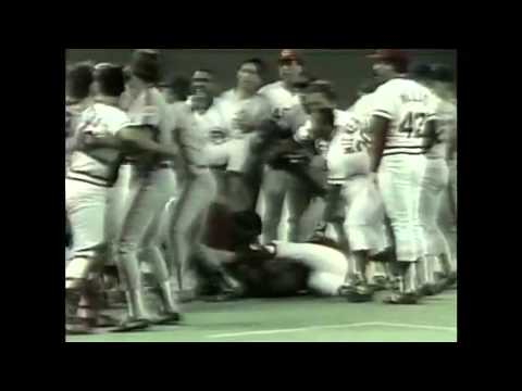 1986 Ray Knight vs Eric Davis Fight - BRAWL