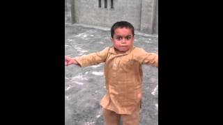 Pakistan kid dancing!