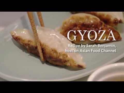 Video recipe easy japanese gyoza with sarah benjamin youtube video recipe easy japanese gyoza with sarah benjamin forumfinder Gallery