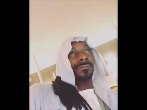 Snoop Dogg smoking listening Wiz Khalifa's music