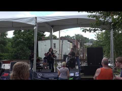 Catahoula Cajun Band ~ Liberty Street Stage ~ Newburgh Illuminated 2017