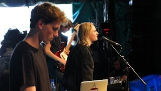 Låpsley - Painter at Glastonbury 2014