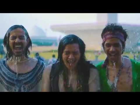 Kelompok Penerbang Roket - Anjing Jalanan (Official Music Video)