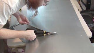 Building an ITG2 dance pad replica - episode 3: Metal cutting