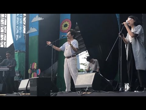 Hindia & Lomba Sihir - Evakuasi (Live at Joyland Festival, Jakarta 08/12/2019)