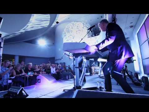 OMD - Genetic Engineering [Live at the Museum of Liverpool]