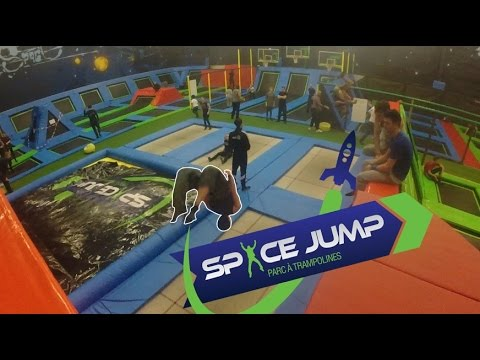 trampoline park c t de paris space jump youtube. Black Bedroom Furniture Sets. Home Design Ideas