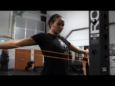 Is 6-foot-5 champion kickboxer Katya Kavaleva a future WWE Superstar?