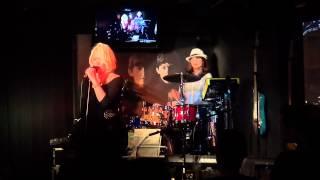 歌とドラムのガールズユニット「if」です(○´ω`○) 村上ポンタ秀一氏の一...