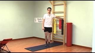Protocollo esercizi per il ginocchio(Marcello Chiapponi esegue un protocollo di riabilitazione. Consultare il medico prima di eseguire esercizi riabilitativi. Info su: www.laltrariabilitazione.it., 2013-01-15T21:41:43.000Z)