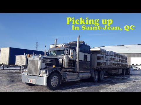 Driving the W900L - Picking up in Saint-Jean