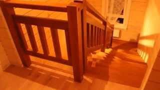 Массивная деревянная лестница на косоурах(Очень массивная деревянная лестница на косоурах. Материал ступеней ясень, остальное сосна. Ограждение..., 2015-01-25T11:13:45.000Z)