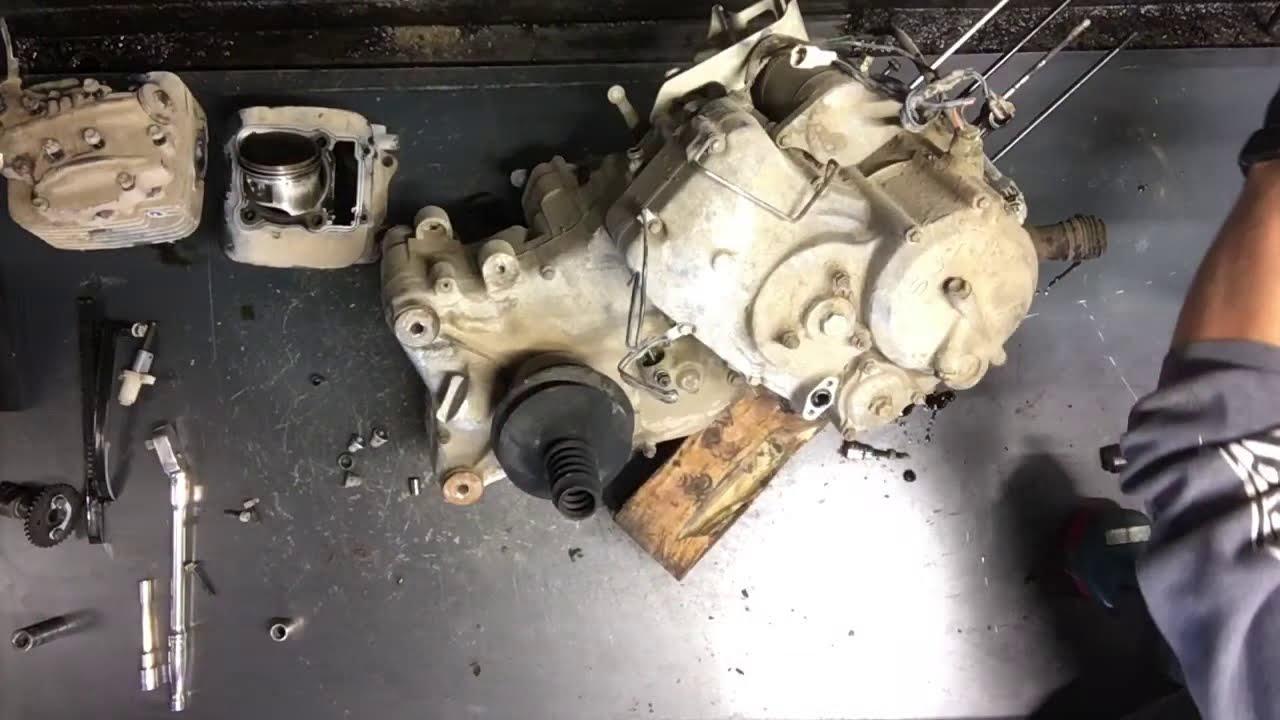 HOW TO - 1/2 Suzuki King Quad 300 4x4 Motor Rebuilt Crank Case Split Engine  Tear Down Crankcase