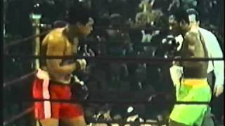 Muhammad Ali vs  Joe Frazier (1971) Highlights  | Joe Frazier drops Muhammad Ali in the 15th round