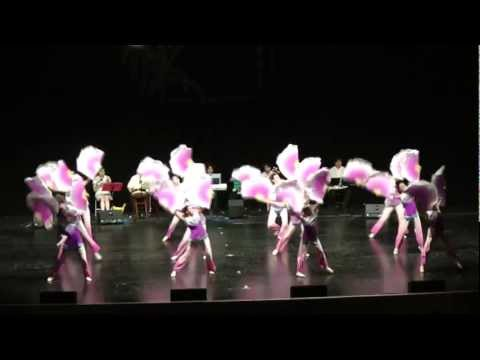 Chinese folk dance: Flying Kites 放风筝 (春意滿山崗 The Awaking of Spring Comes to Hills)