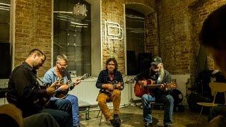 Download Pulp Fiction czyli Alex Johnstone w Przestrzeni Prywatnej (bluegrass) MP3 song and Music Video