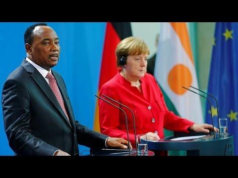 Niger : le président Mahamadou Issoufou demande le soutien de l'UE pour stopper l'afflux des…