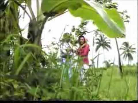 Dewi Ria P. - Perjaka dan Gadis Desa (Original Video Clip & Clear Sound)