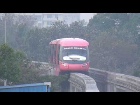 Mumbai Monorail Departs - Displaying Turnouts Beautifully at Chembur, Mumbai