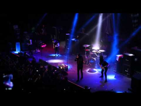 Of Mice & Men - Public Service Ann... - The Flood (LIVE FULL HD Santiago de Chile 2014)