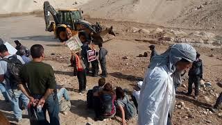 الاحتلال يقتحم الخان الأحمر ويباشر بتجريف الأراضي - (صور وفيديو) | القدس العربي