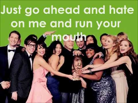 Glee - Loser Like Me (Lyrics)
