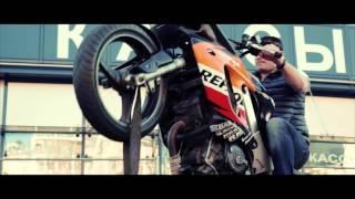 Реалити-шоу: Как научиться ездить на заднем колесе на мотоцикле #1