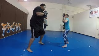 This NFL Defensive Lineman Doing Boxing Drills is kinda scary...